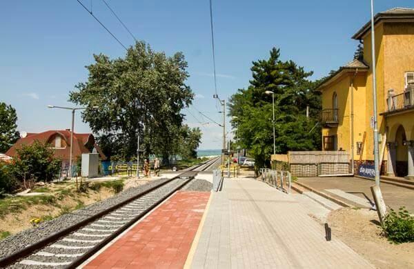 Järnvägen Budapest-Zagreb vid Balatonsjön