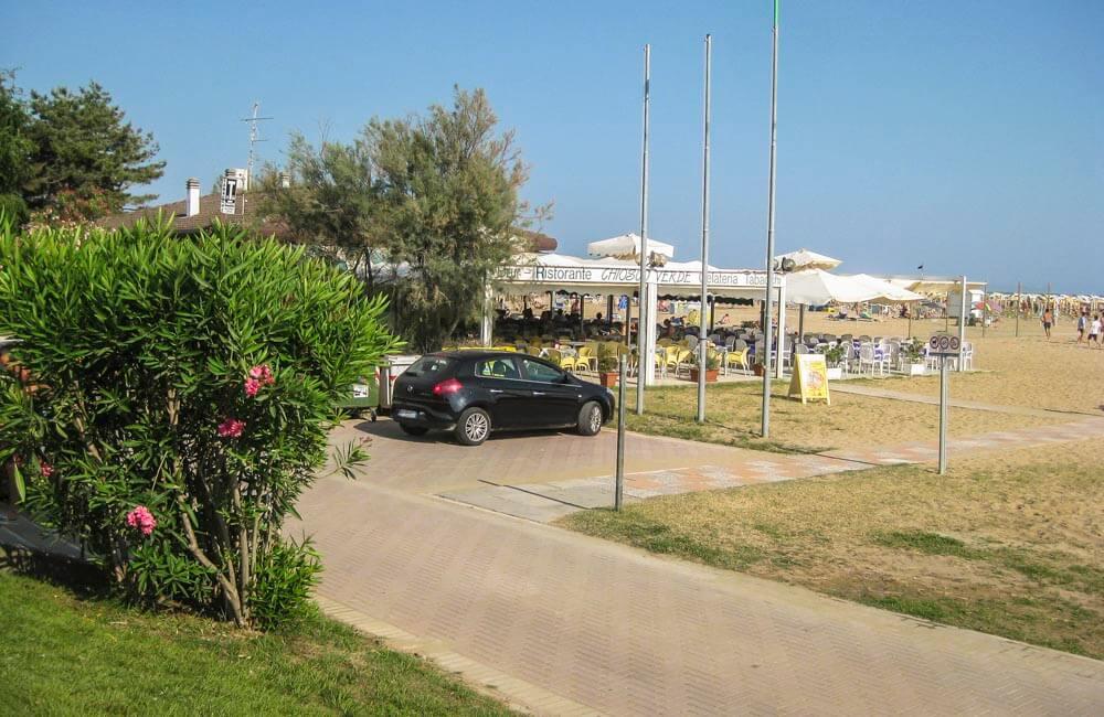 Restaurang vid stranden i Bibione