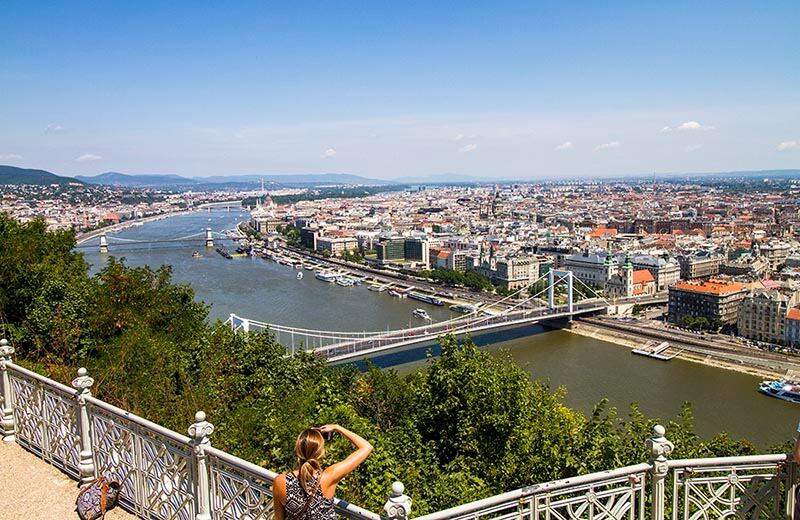 Vy över Budapest från citadellet