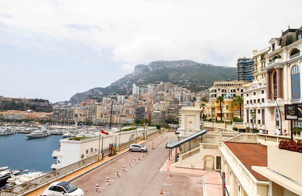 Vi över hamnen och Monaco