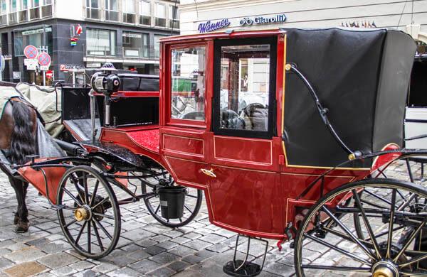 Hästdroska i centrala Wien